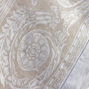 Tafelkleed beige the hague collections interieur winkel den haag Cleopatra beige 02