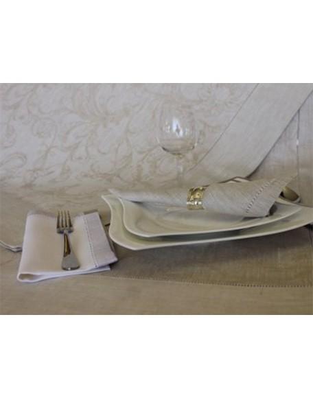 charlotte_beige_tafelkleed_linnen_interieur_denhaag02