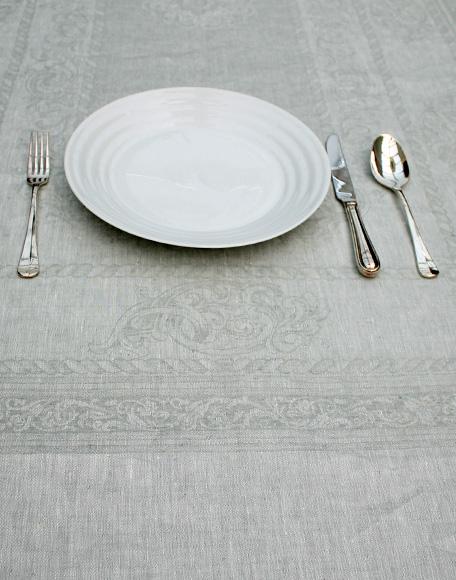 Silene grijs tafelkleed linnen interieurwinkel den haag Frederik Premier