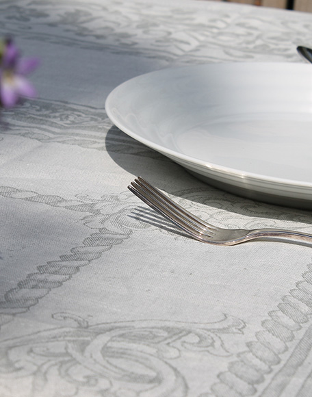Silene grijs tafelkleed linnen tafelkleden den haag frederikpremier interieurwinkel