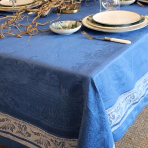 Tafelkleed koningsblauw blauw linnen kleed frederik premier interieurwinkel den haag
