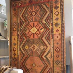 Wandkleed etnisch kleed interieurwinkel den haag frederik premier interior designers 190304
