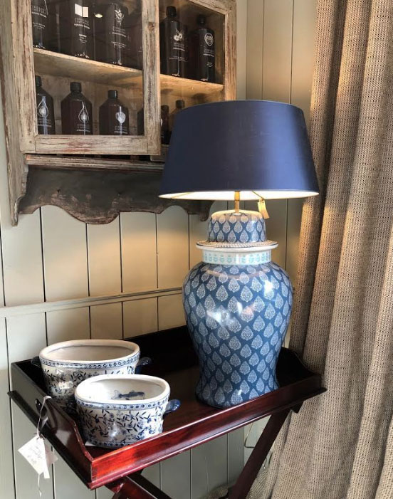 lampenvoet vaas porselein interieurwinkel den haag frederik premier interior designers 190301