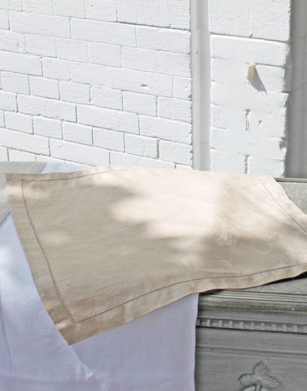 Malva beige servet frederik premier interieurwinkel Den Haag